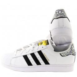 Weiße Adidas Super Star Schuhe mit Strass